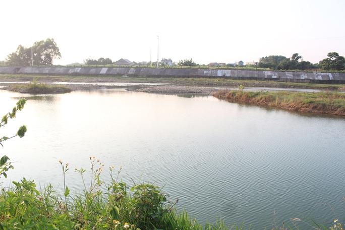 Rủ nhau tắm sông, 3 học sinh tiểu học đuối nước thương tâm - Ảnh 1.
