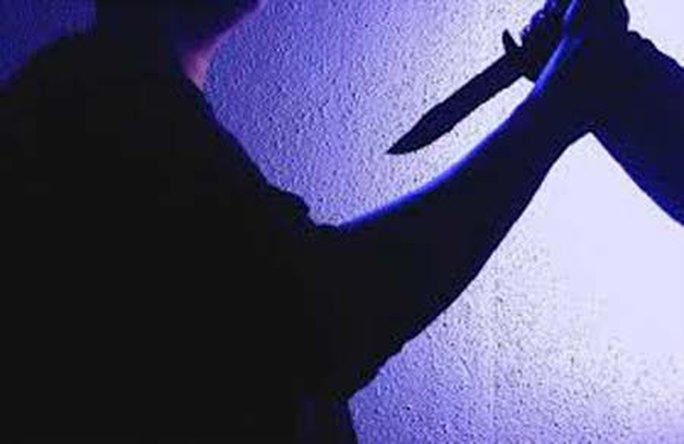 Mang dao đi tính sổ, bị đâm tử vong - Ảnh 1.