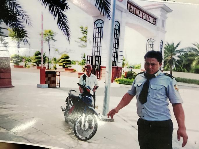 Cử tri nhập vai xe ôm vào sân golf Tân Sơn Nhất tìm chứng cứ - Ảnh 3.
