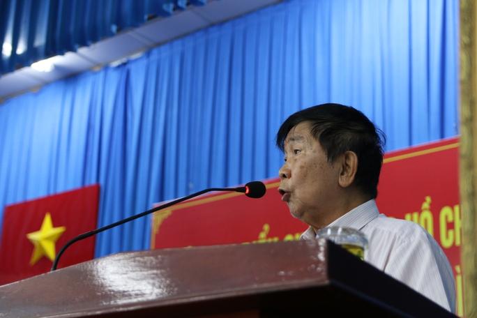 Cử tri nhập vai xe ôm vào sân golf Tân Sơn Nhất tìm chứng cứ - Ảnh 8.
