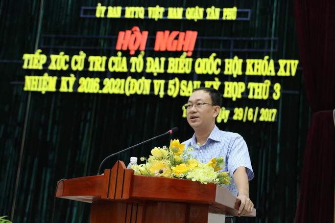 Lãnh đạo quận Tân Phú trần tình về việc nhiều cán bộ bị kỷ luật  - Ảnh 3.