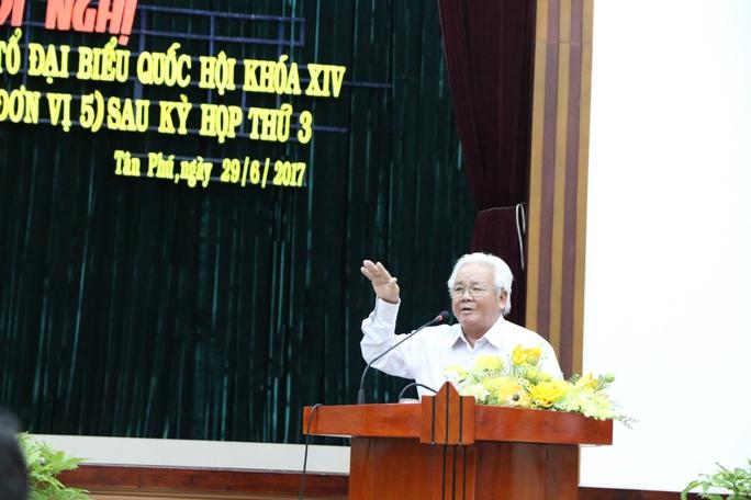 Lãnh đạo quận Tân Phú trần tình về việc nhiều cán bộ bị kỷ luật  - Ảnh 2.