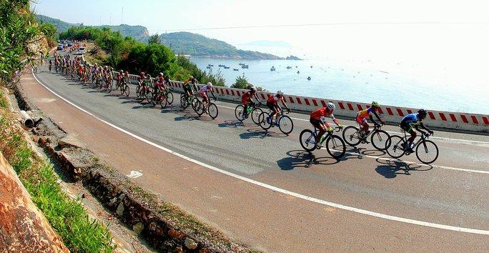 Đoàn đua rời Quy Nhơn