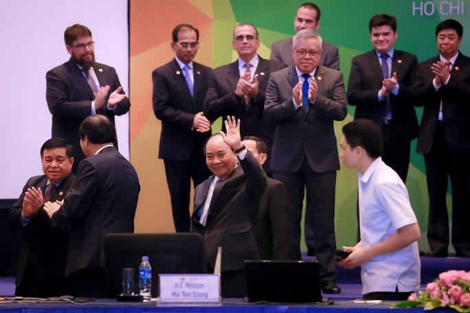 Thủ tướng kêu gọi APEC hỗ trợ doanh nghiệp nhỏ và vừa - Ảnh 1.