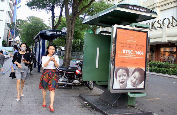 Toàn cảnh hoang phế của trạm thông tin xe buýt, du lịch - Ảnh 9.