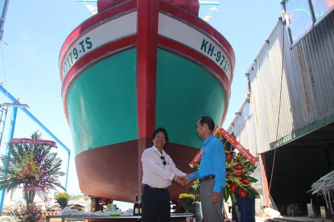 Nghiệp đoàn nghề cá hạ thủy tàu Trường Sa 05 - Ảnh 2.