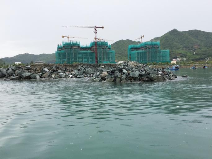 Cận cảnh hàng loạt dự án lấn biển xâu xé vịnh Nha Trang - Ảnh 16.