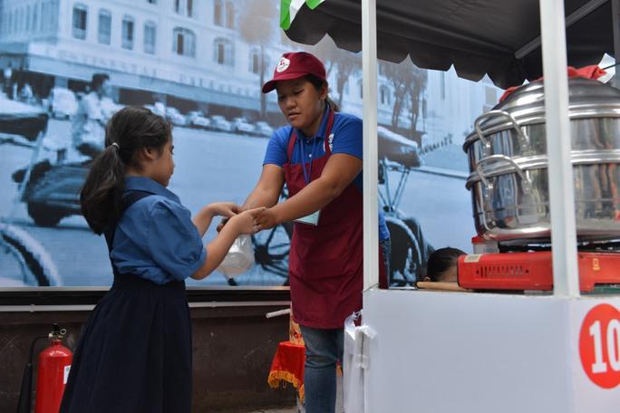 Sài Gòn đã có phố hàng rong sau hơn một năm ấp ủ - Ảnh 2.