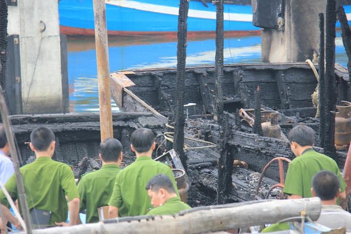 Thời gian qua, nhiều tàu cá của ngư dân Quảng Ngãi bị hỏa hoạn thiêu rụi.