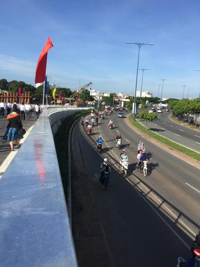 TP HCM: Thông xe 2 nhánh kết nối cầu Nguyễn Văn Cừ - Ảnh 3.