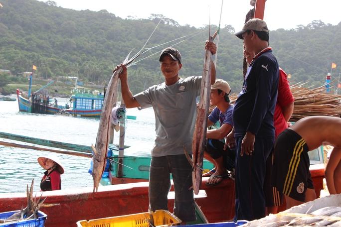 Và vui mừng trước một chuyến đi biển với cá đầy khoang