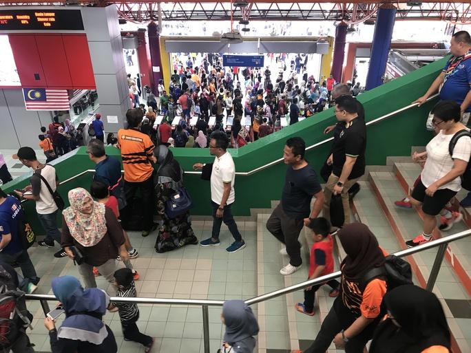 Kuala Lumpur sôi động trước giờ G SEA Games - Ảnh 2.