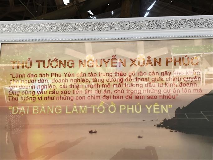 Khu vực giới thiệu hình ảnh đẹp Phú Yên có một số chú thích sai chính tả, như đại bàn