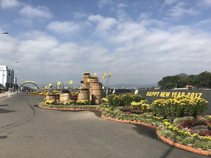 Người dân Phú Yên kỳ vọng đường hoa xuân năm tới được đầu tư bài bản hơn, tổ chức phục vụ và quản lý tốt hơn.