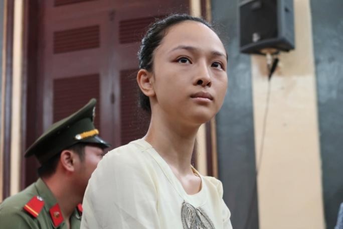 Hoa hậu Phương Nga từng lo sợ bị tố bán dâm - Ảnh 2.