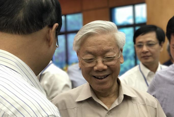 Cử tri băn khoăn với Tổng Bí thư việc kỷ luật ông Đinh La Thăng - Ảnh 3.