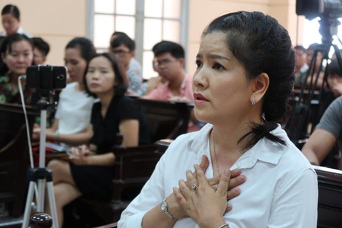 Diễn viên Ngọc Trinh nín thở nghe VKS đề nghị - Ảnh 1.