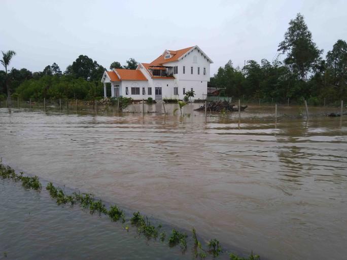 Phú Quốc: Nhà dân bị ngập do suối thoát nước bị lấn - Ảnh 1.