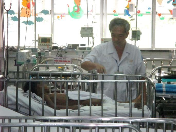 Chuyển viện xuyên biên giới, bé Campuchia được bác sĩ Việt cứu sống - Ảnh 2.
