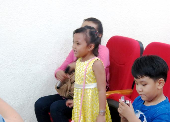 Giúp 2 bé khiếm thính nghe, nói lại bình thường - Ảnh 6.