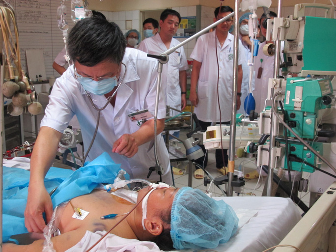 Bệnh nhân nguy kịch trong vụ tai biến chạy thận suy 6 tạng - Ảnh 1.