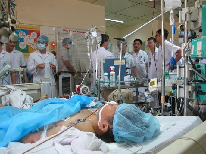 Bệnh nhân nguy kịch trong vụ tai biến chạy thận suy 6 tạng - Ảnh 2.