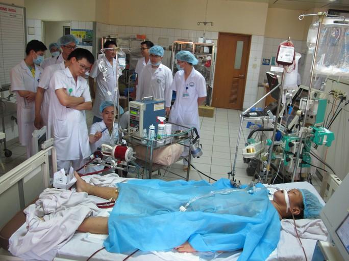 Bệnh nhân nguy kịch trong vụ tai biến chạy thận suy 6 tạng - Ảnh 3.