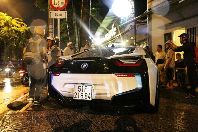 Không chấp nhận đóng phạt 700.000 đồng để đậu xe trên vỉa hè - Ảnh 6.