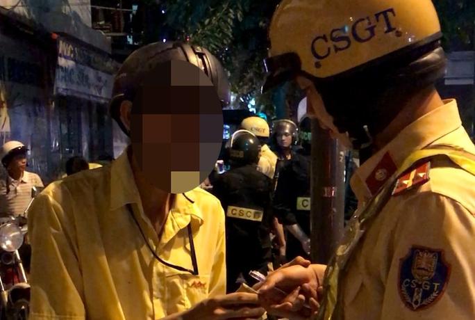 Thanh niên tấn công CSGT ở Gò Vấp - Ảnh 1.