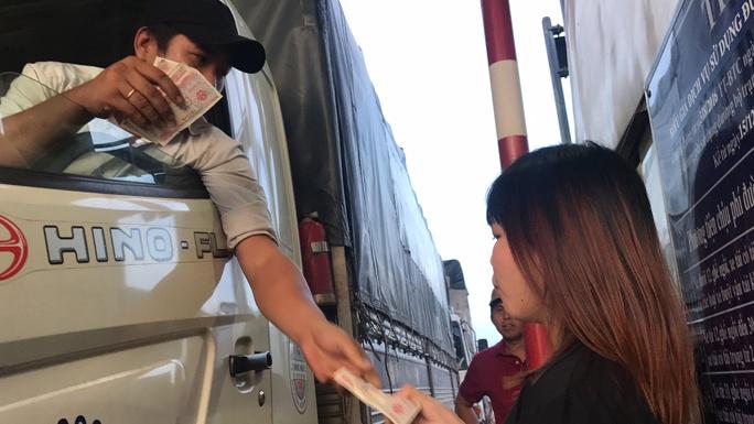 Toàn cảnh trạm thu phí BOT Biên Hòa xả trạm - Ảnh 9.