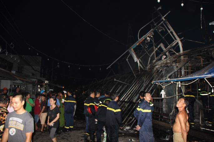 Cháy kinh hoàng ở chợ đêm Phú Quốc - Ảnh 6.