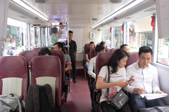Hà Nội có xe buýt 2 tầng mui trần tha hồ ngắm phố cổ - Ảnh 2.