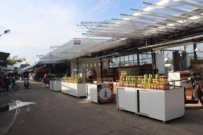 Chợ đêm Phú Quốc đón khách du lịch tấp nập trở lại - Ảnh 3.