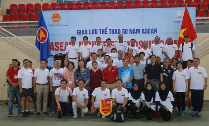 Xem các nhà ngoại giao ASEAN tỉ thí thể thao - Ảnh 9.