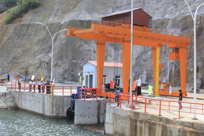 Đập tràn Nhà máy thủy điện Krông Nô 2