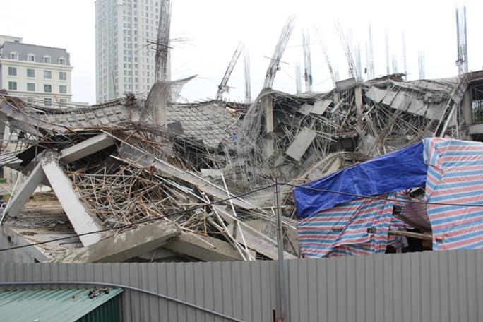 Náo loạn vì sập công trình trường mầm non 1.000 m2 - Ảnh 1.