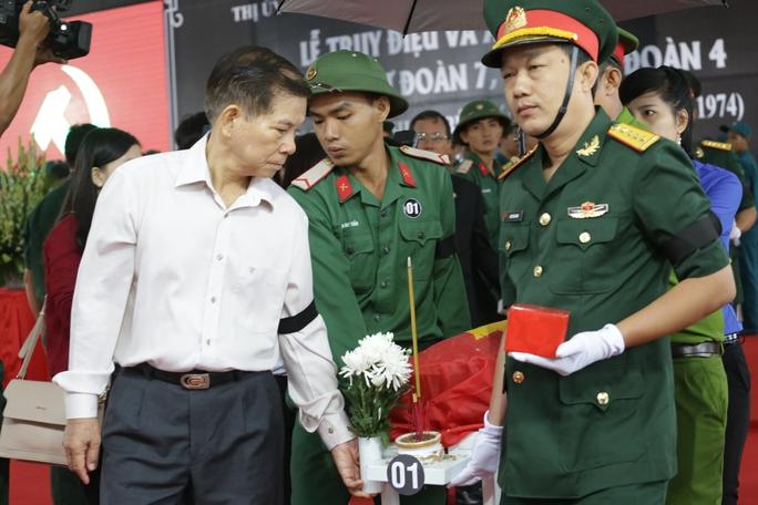 Phó Chủ tịch TP HCM mong tìm được người anh liệt sĩ! - Ảnh 1.