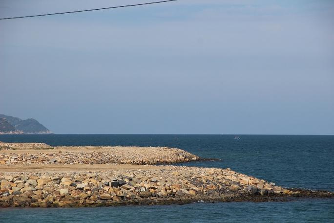 Cận cảnh hàng loạt dự án lấn biển xâu xé vịnh Nha Trang - Ảnh 2.