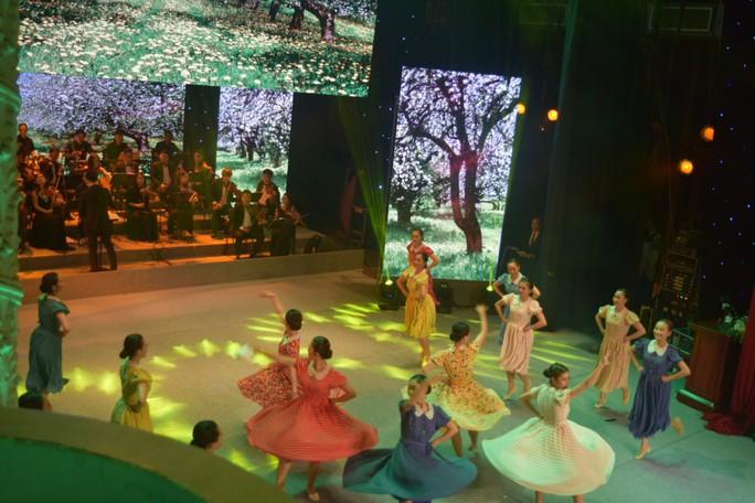 Rực rỡ đêm nghệ thuật Bài ca tháng mười Nga - Ảnh 7.