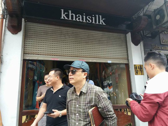 Cửa hàng Khaisilk 113 Hàng Gai nộp thuế khoán 211,2 triệu đồng - Ảnh 1.