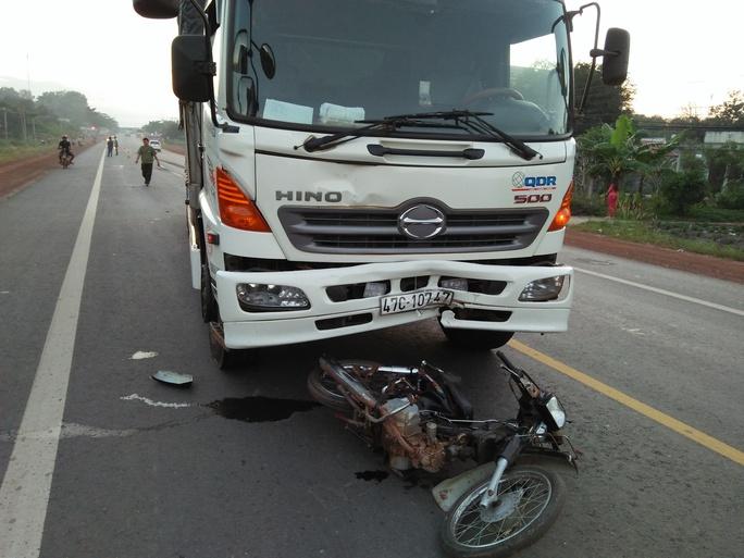 Hiện trường vụ tai nạn làm một người trọng thương