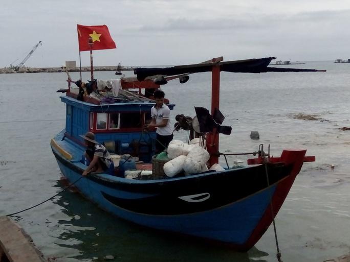 Tàu cá va chạm với Xuồng tuần tra biên phòng.