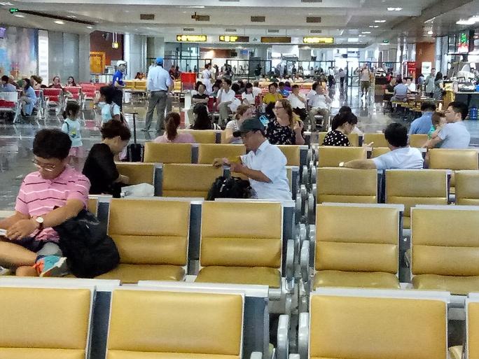 Đề nghị công an điều tra kẻ tung tin máy bay rơi ở Nội Bài - Ảnh 2.