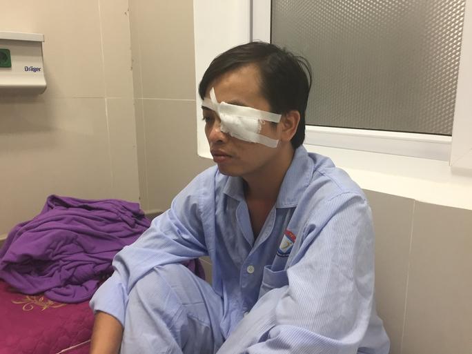 Điều tra vụ tấn công bác sĩ gây chấn thương sọ não, rách giác mạc - Ảnh 1.