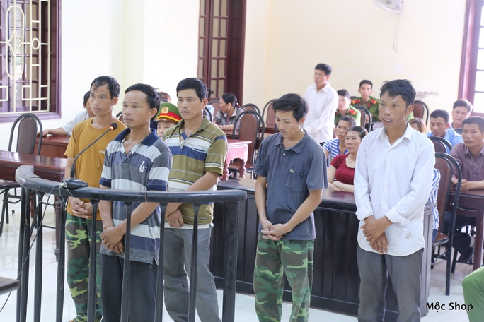5 nông dân dính án vì vận chuyển quả bom thời chiến đi bán - Ảnh 1.