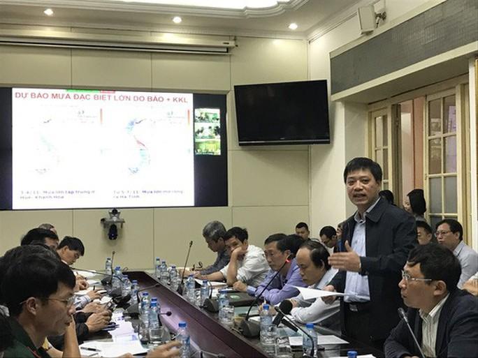 Bộ Công Thương nói về việc không đến họp chống bão số 12 - Ảnh 1.