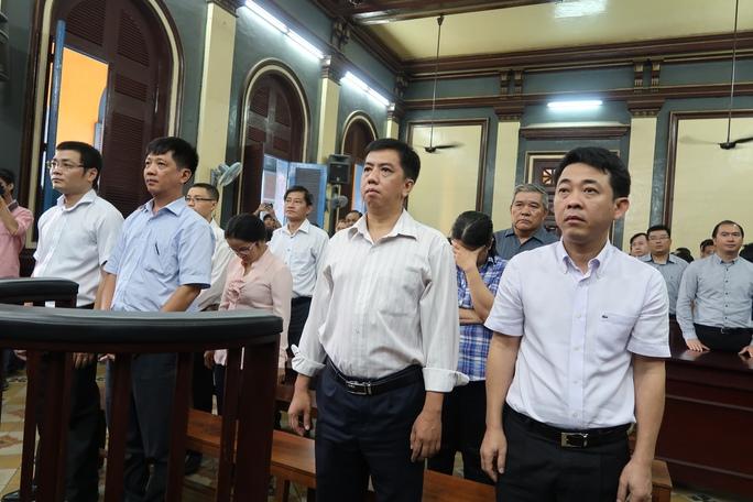 Vụ VN Pharma: Bắt tạm giam nguyên Tổng giám đốc Nguyễn Minh Hùng - Ảnh 3.
