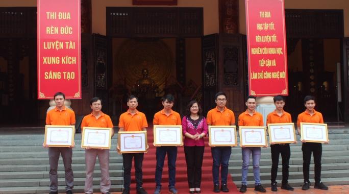 Khen thưởng đội Robocon vô địch châu Á - Thái Bình Dương - Ảnh 1.