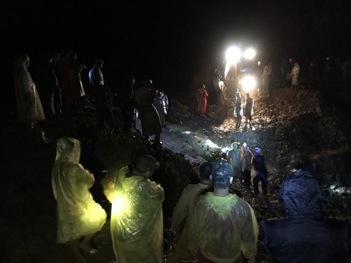 Quảng Nam: Thêm 5 người bị sạt lở đất vùi chết - Ảnh 1.
