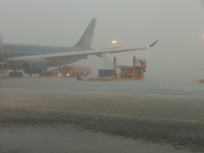 Hủy tất cả các chuyến bay đến/đi tại 6 sân bay miền Trung - Ảnh 1.